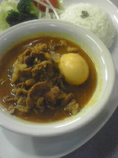 豚肉と煮卵のカレー
